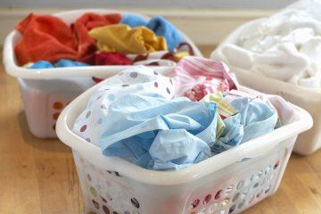 Cómo separar la ropa de color